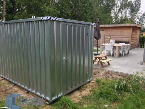 Tuinschuur/tuincontainer van snelbouwcontainer. Materiaal container, bouwcontainer